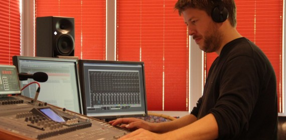 Techniker im Tonstudio